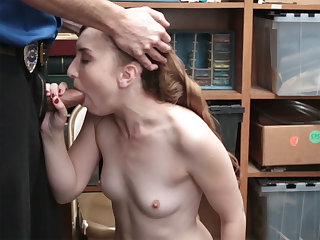 Luscious mature blond hair lady caught by a LP officer and had sex hard