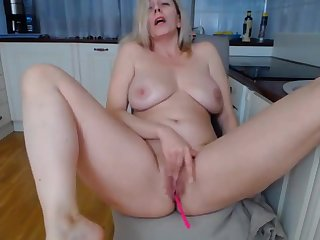 Sexually Attractive Mom in kitchen