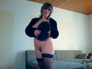 Sexy Milf dance and play with afur hat