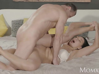 MOM Squirts her delicious pussy juices over him